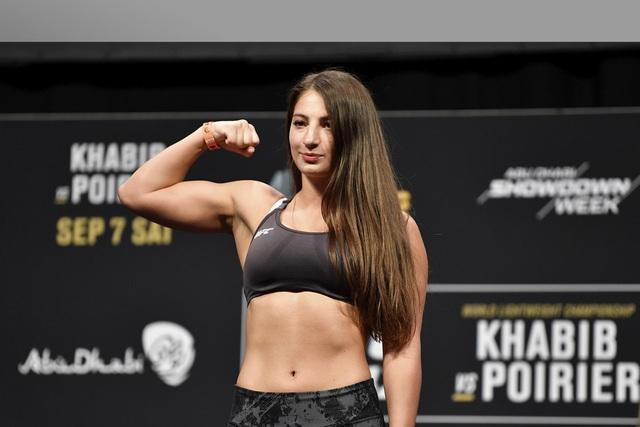 Vẻ đẹp rạng ngời, hút hồn của mỹ nhân MMA người Gruzia